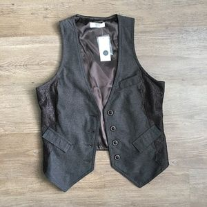 Brown vest with lace detailing